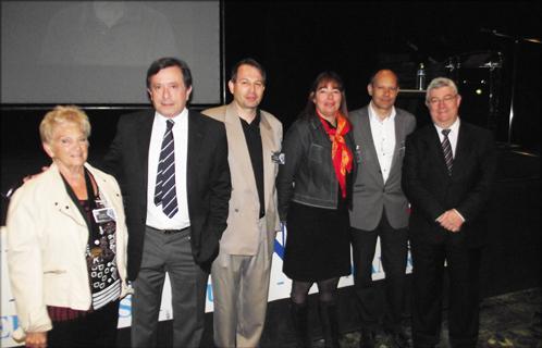 De g à d: Joëlle Corneille (Kiwanis), Jean-Sébastien Vialatte (député-maire), Jean-Marc Bonifay (APACA), Monica Zilbovicius, Joseph Mulé (conseiller général) et Philippe Vitel (député).