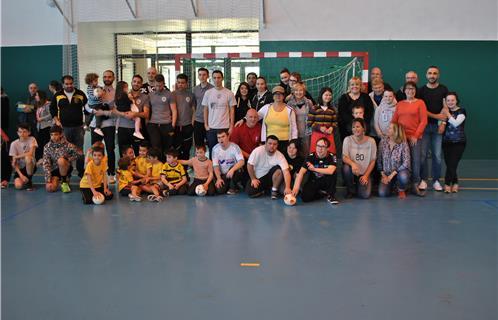 Sanary jouer au handball pour la journ e mondiale de la - Jouer au coups de midi gratuitement ...