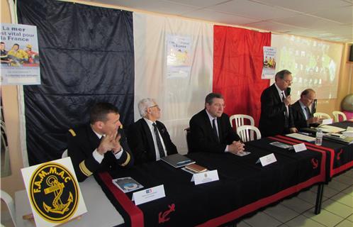 De gauche à droite, le Capitaine de Corvette Renaud Brunet, Robert Boutin, délégué régional de l'AMMAC, Robert Bénéventi, Maire d'Ollioules, Jean-Pierre Sauvanaud, vice-président de l'AMMAC Sanary, Claude Malonie, secrétaire