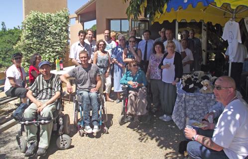 Les associations étaient réunies aux Roches Brunes samedi, ici en présence de Jean-Sébastien Vialatte et Joseph Mulé.