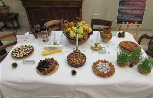 ollioules traditions la v ritable table du grand souper et des treize desserts. Black Bedroom Furniture Sets. Home Design Ideas