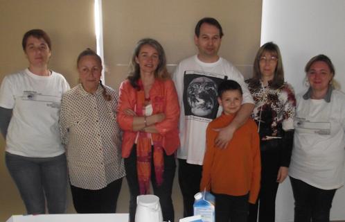 Les bénévoles d'APACA s'investissent pour informer et aider les parents d'enfants autistes.