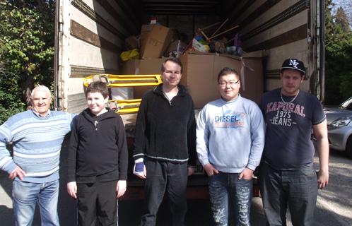 Les bénévoles d'Autisme PACA avec Brandon de l'entreprise S2L (Pignans).