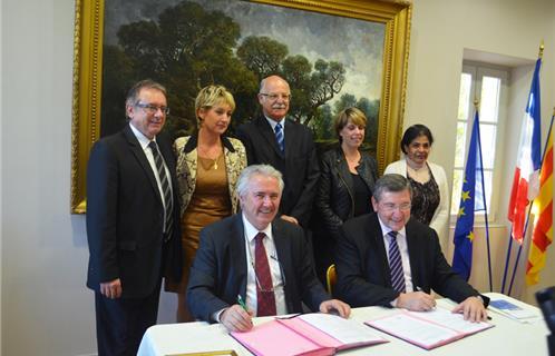 Vie de la cit ollioules signe une charte de partenariat for Chambre de commerce du var