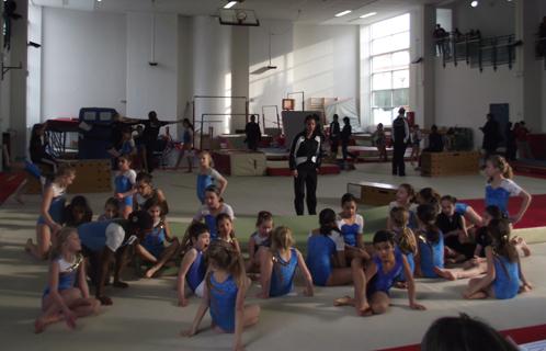 six fours sport c 233 tait l heure des tremplins avec le club de gymnastique artistique six fournais