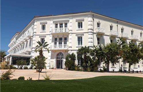 Grand hotel casino les sablettes poker school online forum